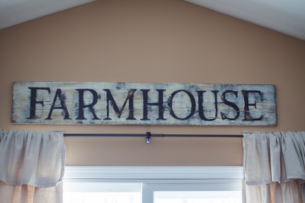 Distressed Farmhouse Sign